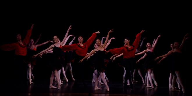 Photo: Ballet dancers