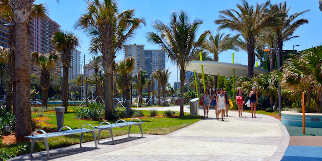 Photo: People walking at Samson Oceanfront Park