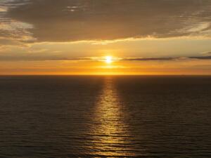 "November - Ekaterina Khramova ""Daylight Breaks"""